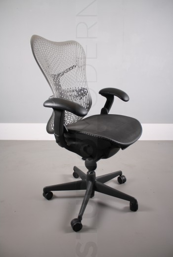 used_mirra_chairs-38