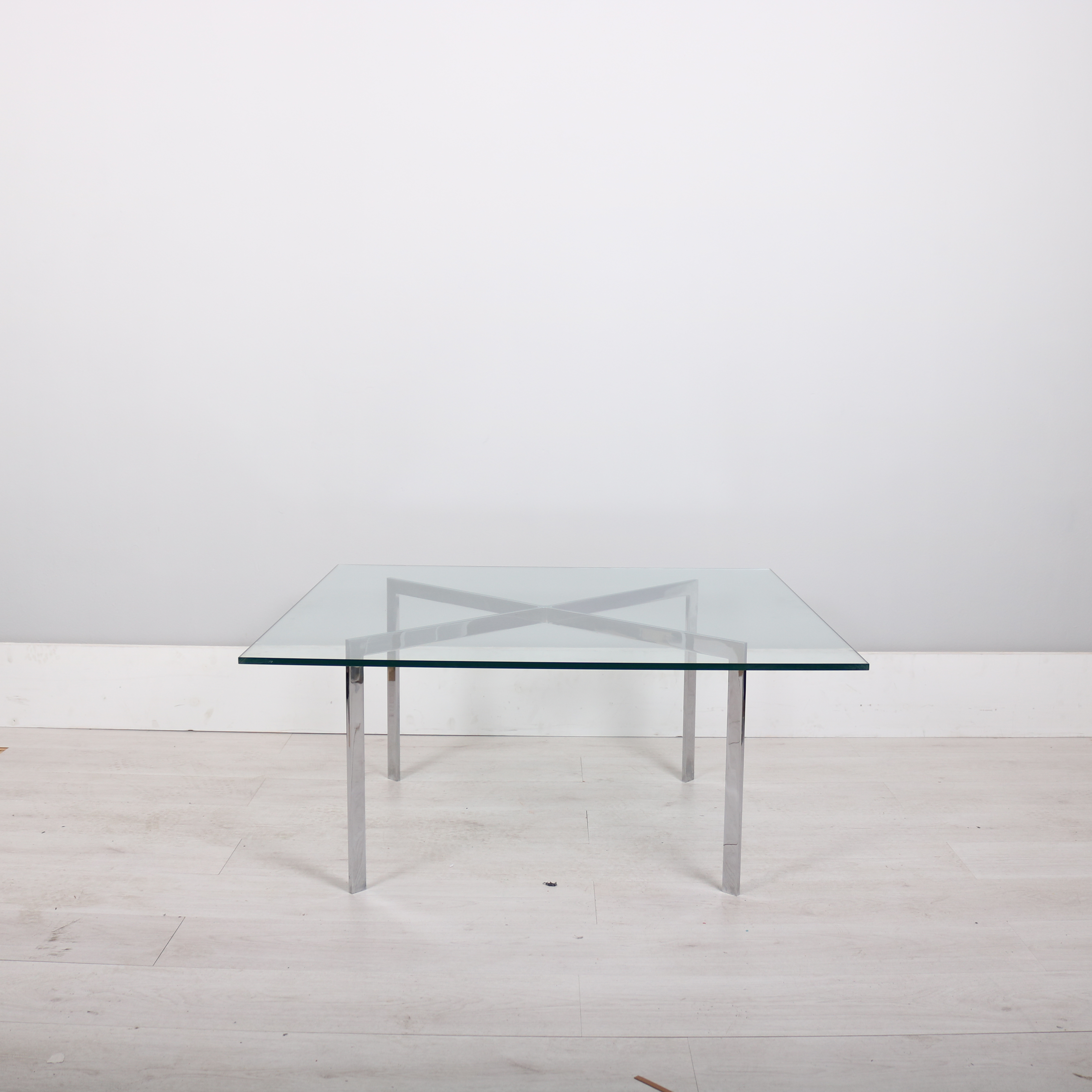 Perfect Knoll Studio Mies Van Der Rohe Barcelona Table. IMG_6307