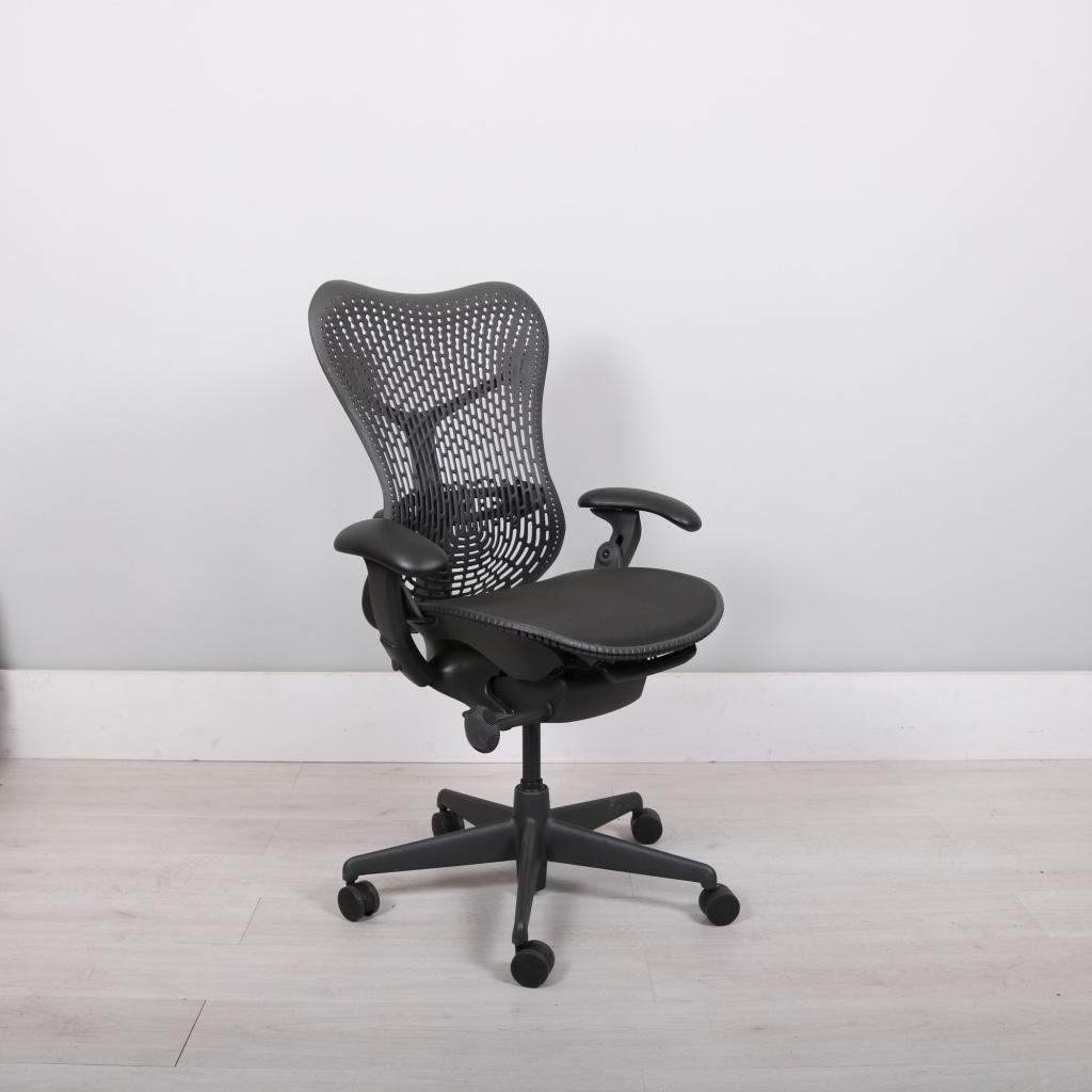 herman miller fully loaded black mirra chair