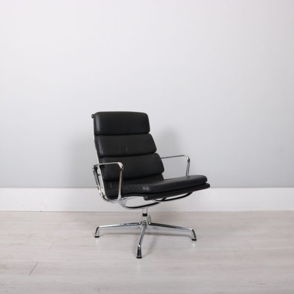 vitra eames ea215 lobby chair studiomodern. Black Bedroom Furniture Sets. Home Design Ideas