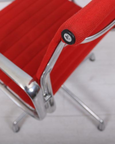 used_eames_101