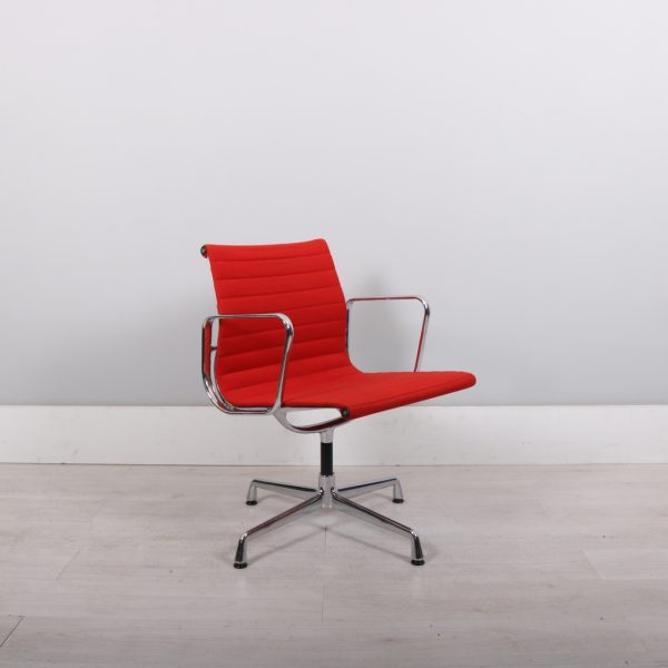 used_eames_113