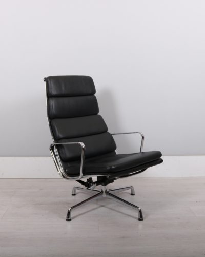 used_eames_118