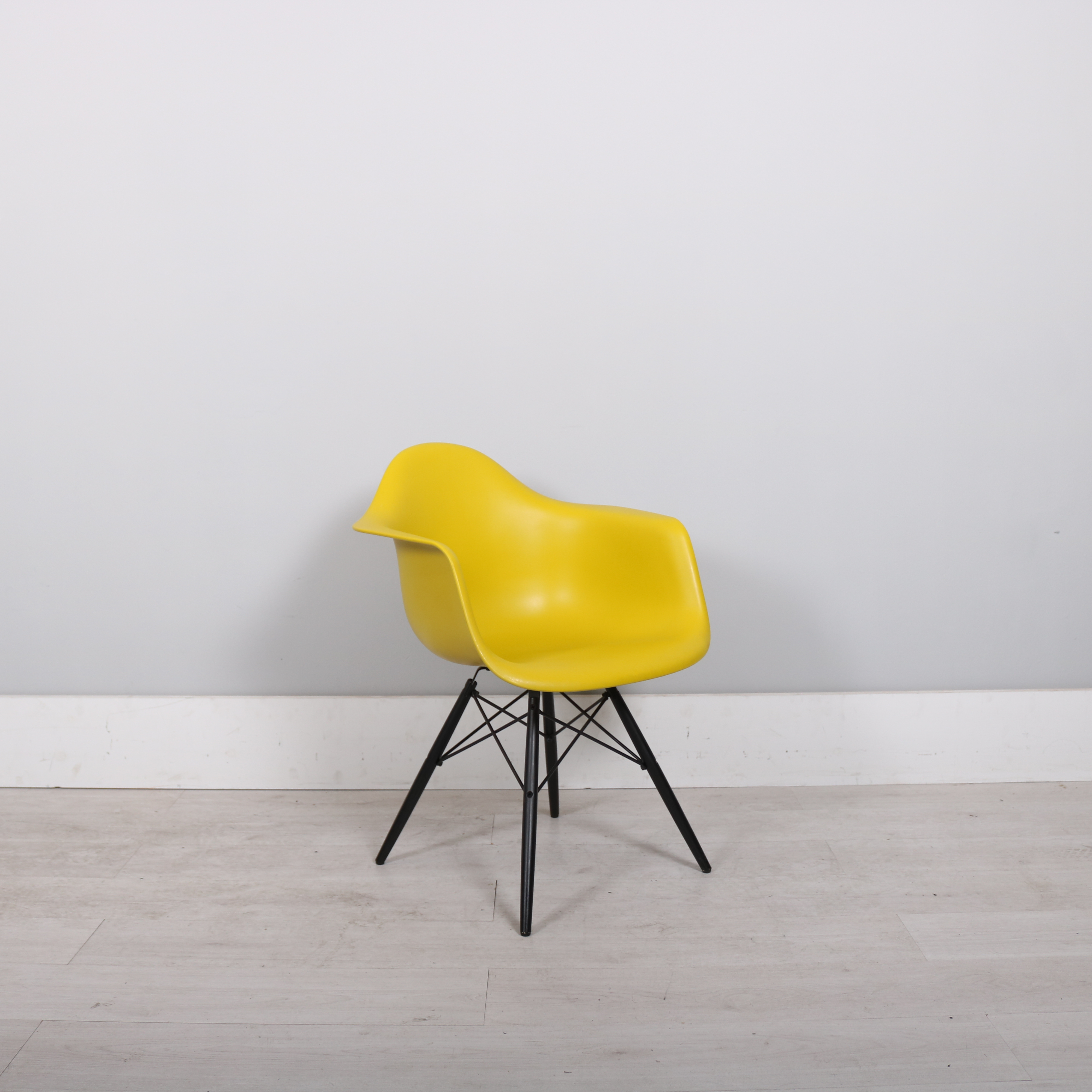 charles eames chair yellow canary yellow herman miller dax eames chair eames dsw stuhl eames. Black Bedroom Furniture Sets. Home Design Ideas