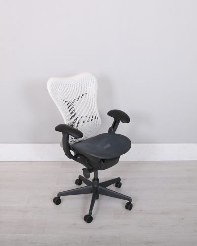 used_mirra_chair_108