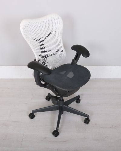 used_mirra_chair_107