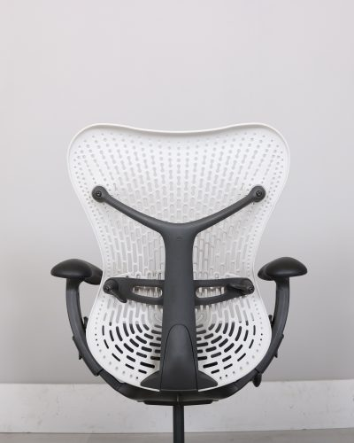 used_mirra_chair_101