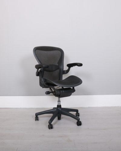 used_aeron-chairs56