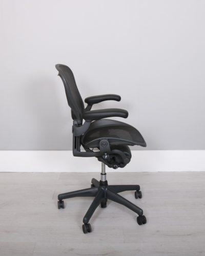 used_aeron-chairs53