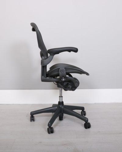 used_aeron-chairs51