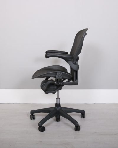 used_aeron-chairs47